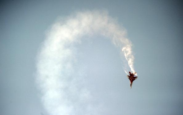 Фоторепортаж о красочной летной программе МАКС-2011 в небе над Жуковским. Фото: DMITRY KOSTYUKOV/AFP/Getty Images