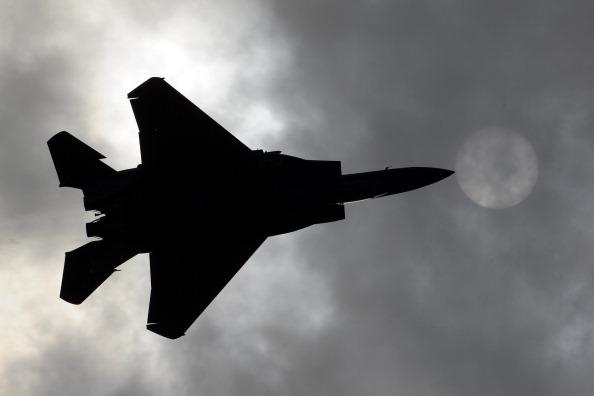 МАКС-2011 (MAKS-2011) Фоторепортаж о показательных полетах в день открытия салона. Фото: DMITRY KOSTYUKOV/AFP/Getty Images