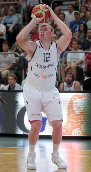 Германия выиграла у Бельгии баскетбольный  матч на Суперкубок BEKO  со счетом 71:65. Фото:  Simon/Bongarts/Getty Images