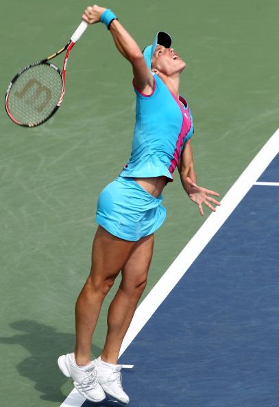 Надежда Петрова проиграла в четвертьфинале соревнований  немке Андреа Петкович со счетом 7:5, 6:1. Фото: Matthew Stockman/Getty Images