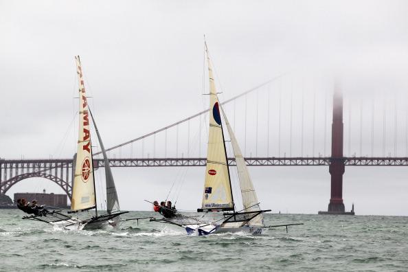 Фоторепортаж о регате 18ft Skiff International в Сан-Франциско. Фото:  Ezra Shaw/Getty Images