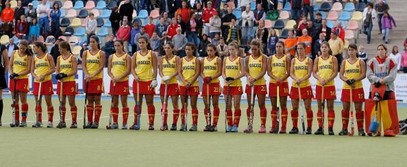 Женская сборная Англии по хоккею на траве выиграла у  команды Испании  -  2:1. Фоторепортаж  с  матча.  Фото: Dennis Grombkowski/Bongarts/Getty Images