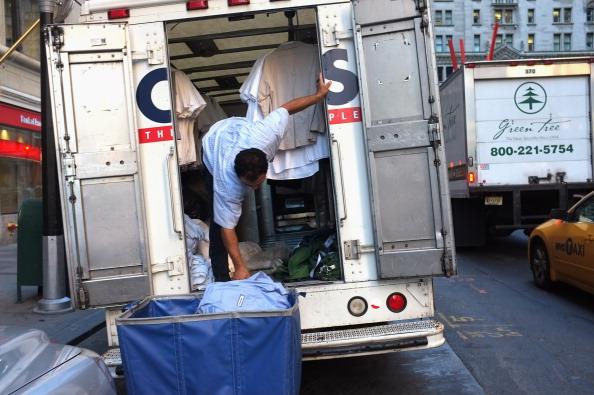 Фоторепортаж  из Нью-Йорка, возвращающегося к нормальной жизни после урагана  «Айрин». Фото: Spencer Platt/Getty Images