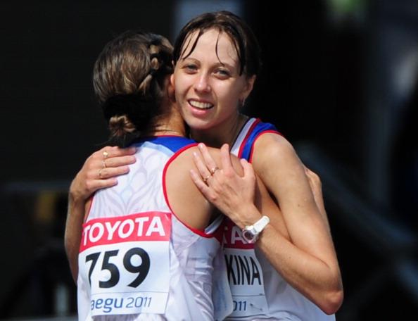 Ольга Каниськина и Анися Кирдяпкина завоевали золотую и бронзовую медали. Фото: MARK RALSTON/AFP/Getty Images