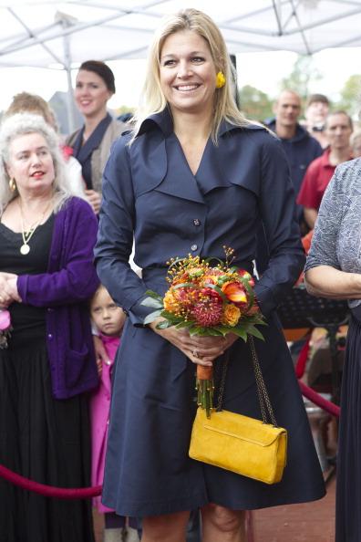 Фоторепортаж о нидерландской принцессе Максиме в женском клубе против насилия в семье. Фото:  Michel Porro/Getty Images