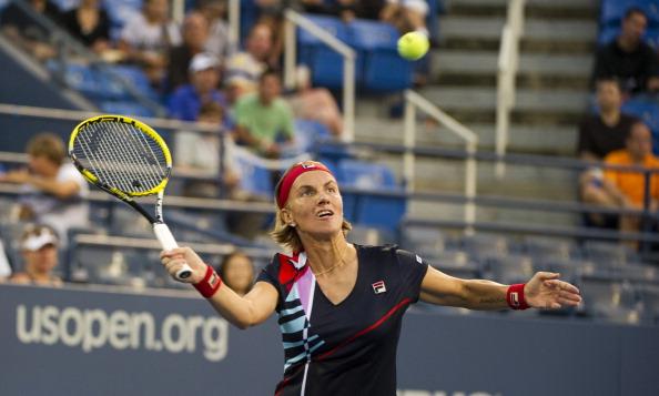 Светлана Кузнецова победила  Акгуль Аманмурадову на турнире US Open-2011. Фото: Matthew Stockman/Getty Images