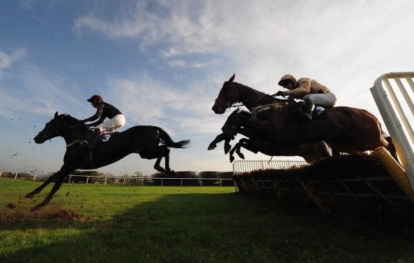 Фоторепортаж  со скачек на  ипподроме Hexham в  Англии. Фото: McDonald/Getty Images