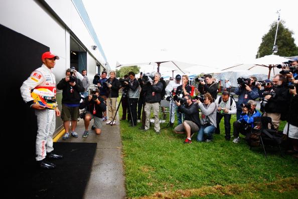 Формула-1. Гран-при Австралии: Петров - двенадцатый, лидирует Баттон. Фото:  Clive Mason/Paul Gilham/Mark Thompson/Getty Images