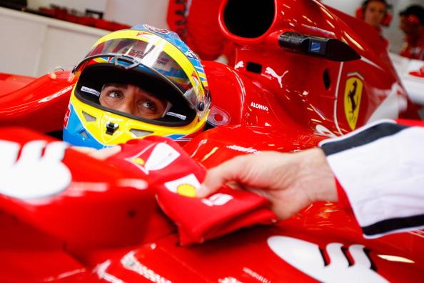 Формула-1. Гран-при Австралии: Петров - двенадцатый, лидирует Баттон. Льюис Хэмилтон. Фото:  Clive Mason/Paul Gilham/Mark Thompson/Getty Images