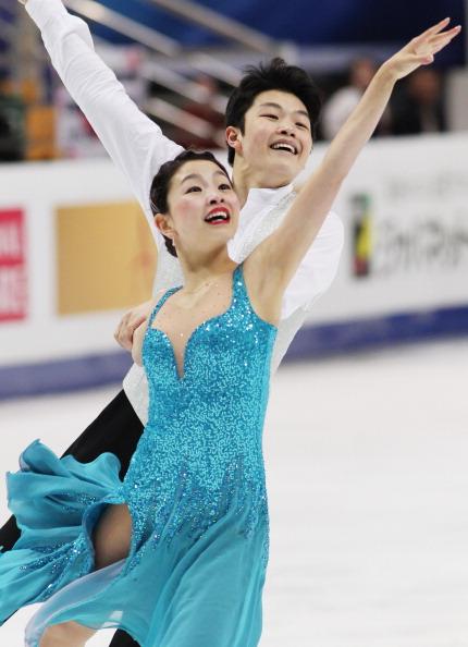 Фоторепортаж. ЧМ-2011 по фигурному катанию.  Мэрил Дэвис и Чарли Вайт в танцах на льду завоевали золото.   Фото:  Oleg Nikishin/ALEXANDER NEMENOV/YURI KADOBNOV/AFP/Getty Images