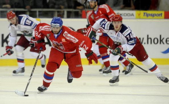 Сборная России по хоккею проиграла Чехии матч Евротура. Фото: MICHAL CIZEK/AFP/Getty Images