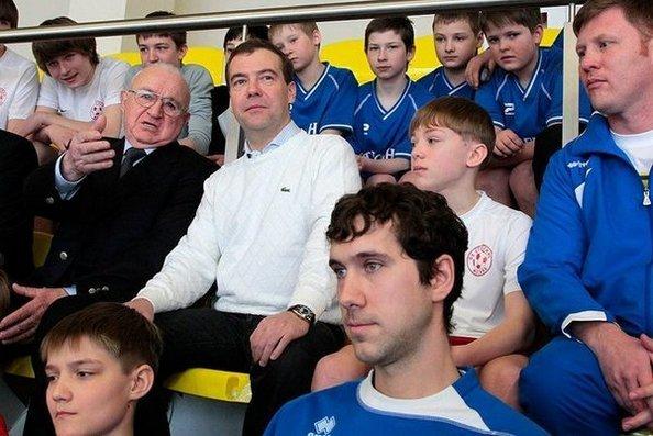 Дмитрий Медведев посетил  новый многофункциональный спортивный комплекс «Янтарь» в Строгино. Фото с сайта kremlin.ru