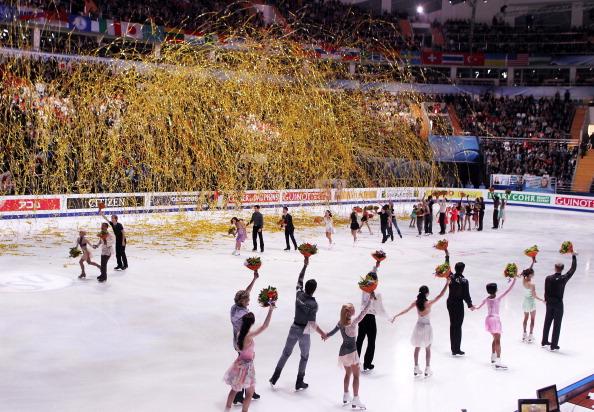 Фоторепортаж. ЧМ-2011 по фигурному катанию.  Показательные выступления  и закрытие чемпионата. Фото: Oleg Nikishin/ALEXANDER NEMENOV/YURI KADOBNOV/AFP/Getty Images