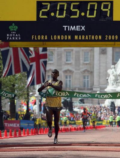 Фоторепортаж о  самоубийстве кенийского марафонца Сэмюэля Ванджиру. Фото: AFP PHOTO / GABRIEL BOUYS  AFP