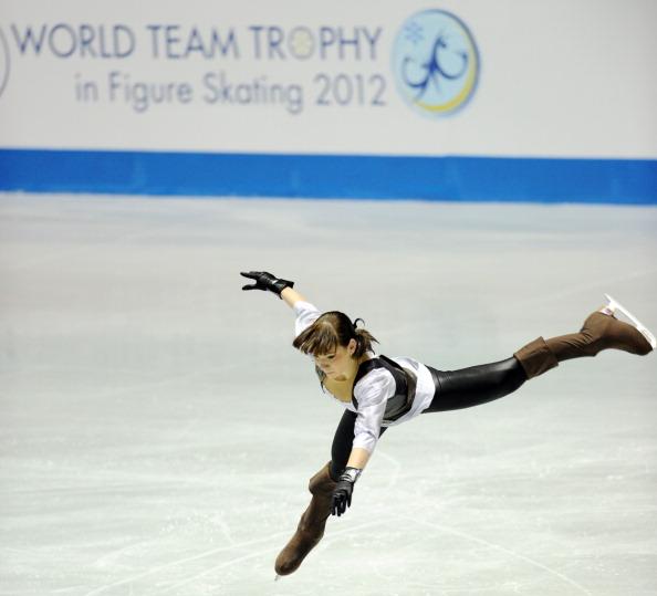 Алёна Леонова во время выступления в короткой программе женского одиночного катания на Мировом кубке в Токио. Фоторепортаж. Фото: TOSHIFUMI KITAMURA/AFP/Getty Images