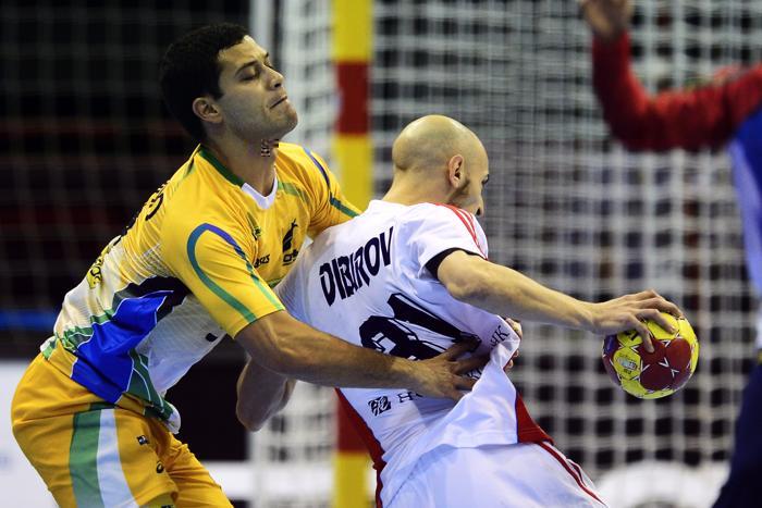 Матч по гандболу между сборными России и Бразилии, 20 января 2012 года, Сарагоса, Испания.  Фото: JAVIER SORIANO/AFP/Getty Images
