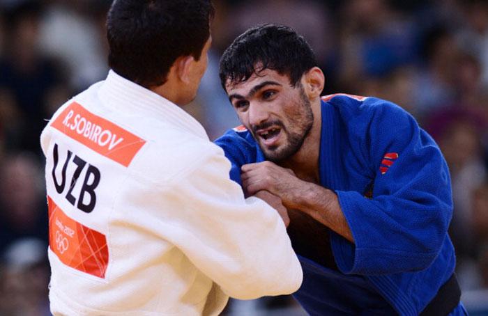 Арсен Галстян завоевал первое золото для России. Фото: ADRIAN DENNIS/AFP/GettyImages