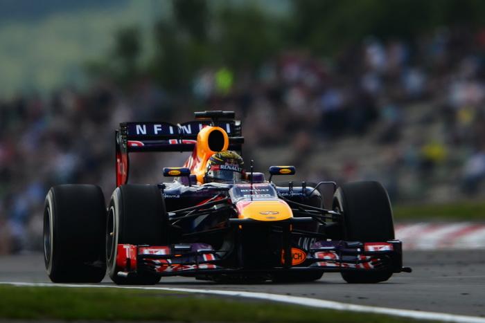 Победителем второй и третьей практик стал действующий чемпион мира Себастьян Феттель из команды Red Bull. Фото: Lars Baron/Getty Images