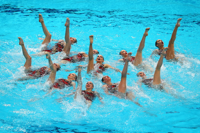 Российские синхронистки одержали победу в седьмой раз. Фото: PIERRE-PHILIPPE MARCOU/AFP/Getty Images