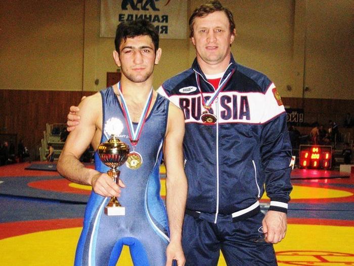 Рубен Минасян со своим тренером, Сергеем Самсоновым. Фото: yarreg.ru (фото из архива)