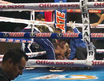 26-летний мексиканский боксёр Франсиско Леал скончался через три дня после поражения нокаутом на ринге. Фото: PAUL J. RICHARDS/AFP/Getty Images