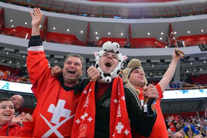 Хоккеисты ЦСКА пожаловались на недружелюбие швейцарских болельщиков. Фото: ANDREJ ISAKOVIC/AFP/Getty Images