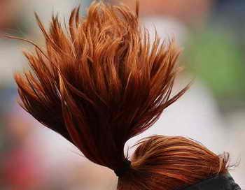 Что делать, если волосы быстро жирнеют. Фото: Mark Nolan/Getty Images