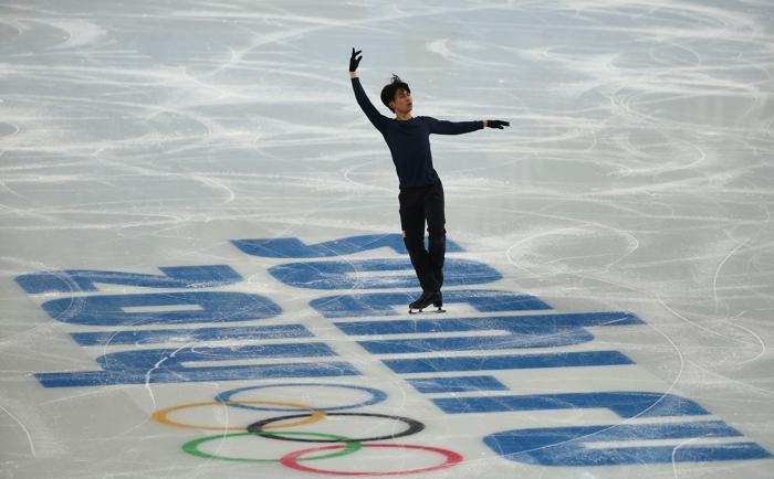 Японец Тацуки Матида провёл 3 февраля первые тренировки в Сочи перед выступлением на зимних Олимпийских играх 2014. Фото: Matthew Stockman/Getty Images Фото: Robert Cianflone/Getty Images