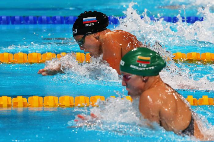 Юлия Ефимова выиграла второе золото на Чемпионате мира по водным видам спорта, став первой на дистанции 50 метров 4 августа 2013 года в Барселоне (Испания). Фото: Alexander Hassenstein/Getty Images