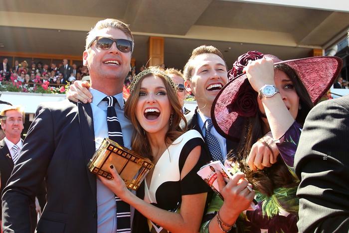 В Австралии 4 октября 2013 года прошёл второй день скачек Кубка Мельбурна за главный трофей мероприятия. Фото: Lisa Maree Williams / Getty Images