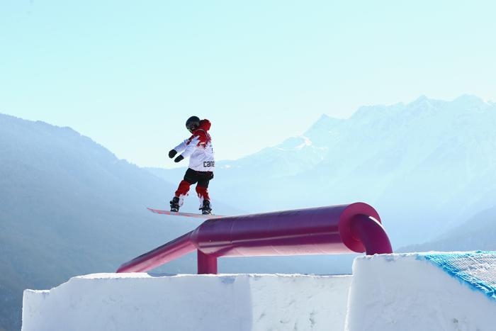 Чарльз Рид из Канады на тренировке сноубордистов по слоупстайлу на Розе Хутор в Сочи 5 февраля 2014 года. Фото: Cameron Spencer/Getty Images