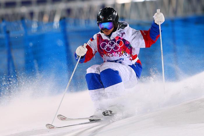 Елена Муратова из России на олимпийском соревновании женщин по фристайлу в могуле 6 февраля 2014 года на Розе Хутор в Сочи. Фото: Cameron Spencer/Getty Images