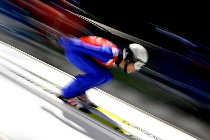 Давид Бресадола из Италии на тренировке по прыжкам с трамплина в последний день перед началом зимней Олимпиады 2014. Фото: Streeter Lecka/Getty Images