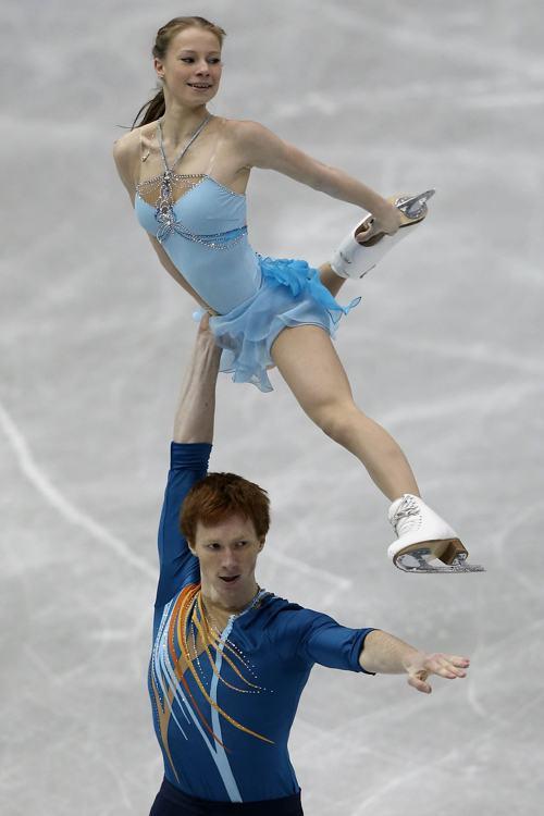 Евгения Тарасова и Владимир Морозов в финале Гран-при по фигурному катанию в Фукуоке 6 декабря 2013 года. Фото: Chris McGrath / Getty Images