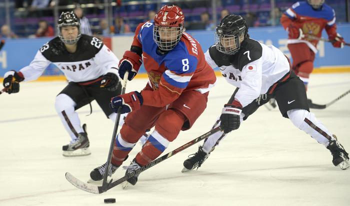 Российские хоккеистки встретились 11 февраля с командой из Японии и одержали победу со счётом 2:1. Фото: ALEXANDER NEMENOV/AFP/Getty Images