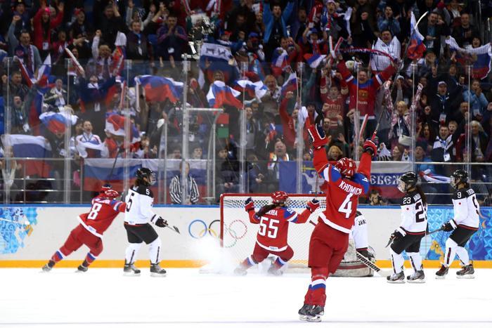 Российские хоккеистки встретились 11 февраля с командой из Японии и одержали победу со счётом 2:1. Фото: Bruce Bennett/Getty Images