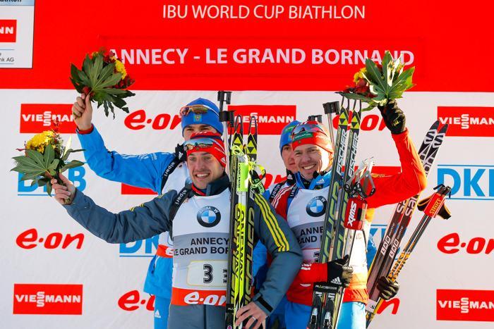 Первое золото на Кубке мира по биатлону российская сборная получила в мужской эстафете 13 декабря 2013 года. Фото: Stanko Gruden/Agence Zoom/Getty Images