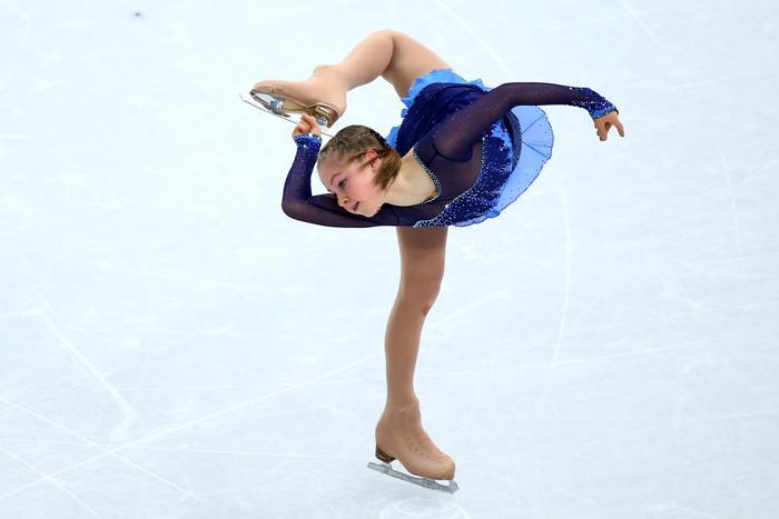 Юлия Липницкая исполняет короткую программу 19 февраля 2014 года На Олимпиаде в Сочи. Фото: Ryan Pierse/Getty Images