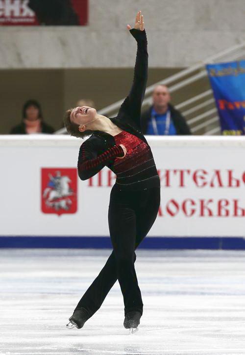 Максим Ковтун стал первый среди одиночников на этапе Гран-при по фигурному катанию в Москве 22 ноября 2013 года. Фото: Oleg Nikishin/ Getty Images
