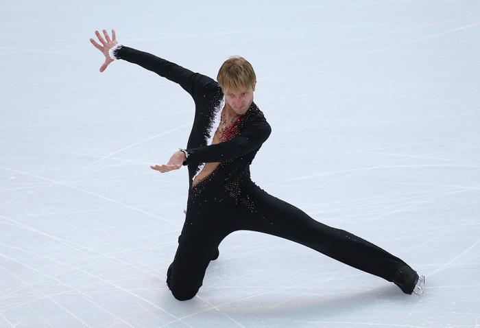 Евгений Плющенко исполнил короткую программу на выступлении для командного зачёта в ходе сочинской Олимпиады 6 февраля 2014 года в «Айсберге». Фото Robert Cianflone/Getty Images