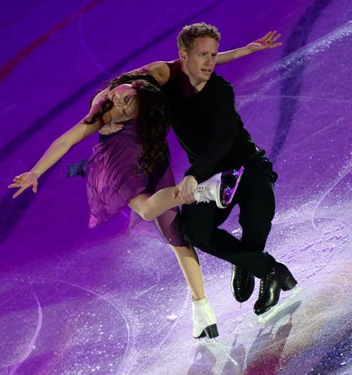 Мэдисон Чок и Эван Бейтс из США выступили в Москве заключительный день международного турнира Гран-при 24 ноября 2013 года. Фото: Oleg Nikishin/Getty Images
