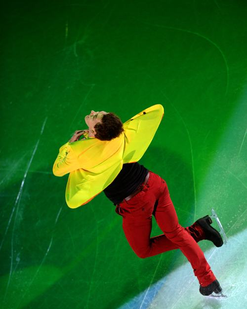 Россиянин Максим Ковтун выступил в Москве заключительный день международного турнира Гран-при 24 ноября 2013 года. Фото: YURI KADOBNOV/AFP/Getty Images