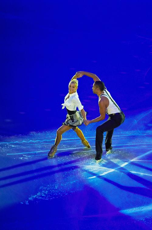 Алена Савченко и Робин Шолковы из Германии выступили в Москве заключительный день международного турнира Гран-при 24 ноября 2013 года. Фото: Oleg Nikishin/Getty Images