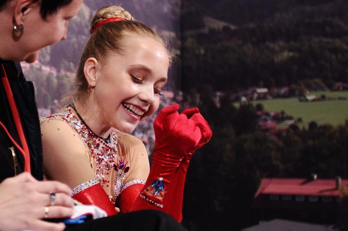 Чемпионами турнира Nebelhorn Trophy в Германии стала 14-летняя Елена Радионова 27 сентября 2013 года. Фото: Dennis Grombkowski/Bongarts/Getty Images