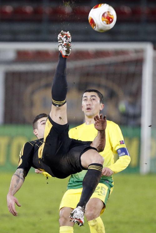 Махачкалинский футбольный клуб «Анжи» провёл вничью матч с молдавской командой «Шериф» 28 ноября 2013 года. Фото: MISHA JAPARIDZE/AFP/Getty Images