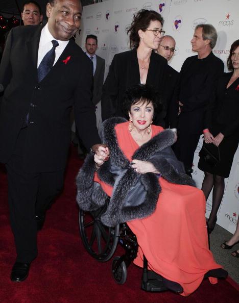 Элизабет Тейлор  с актером  Джейсоном Винтером в 2007 году.  Фото: Jason Winters Фото: Kevin Winter/Getty Images