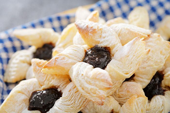 Финские булочки с вареньем. Фото: Jan Sandvik/Photos.com