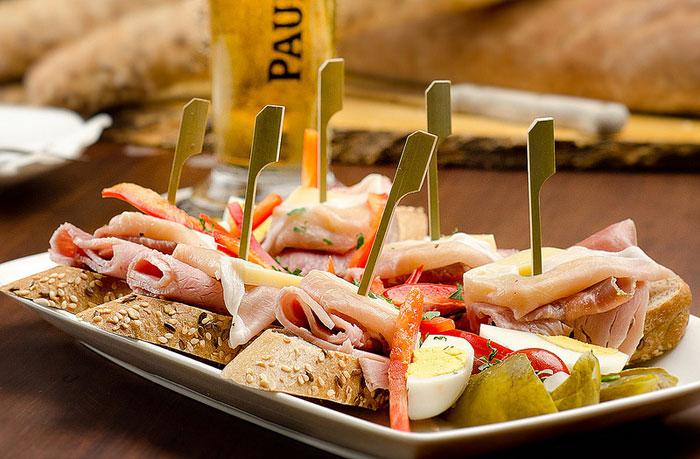 Кулинарный туризм в Германии начинается, как правило, с прелюдии в виде закусок. Фото: ekmai/flickr.com
