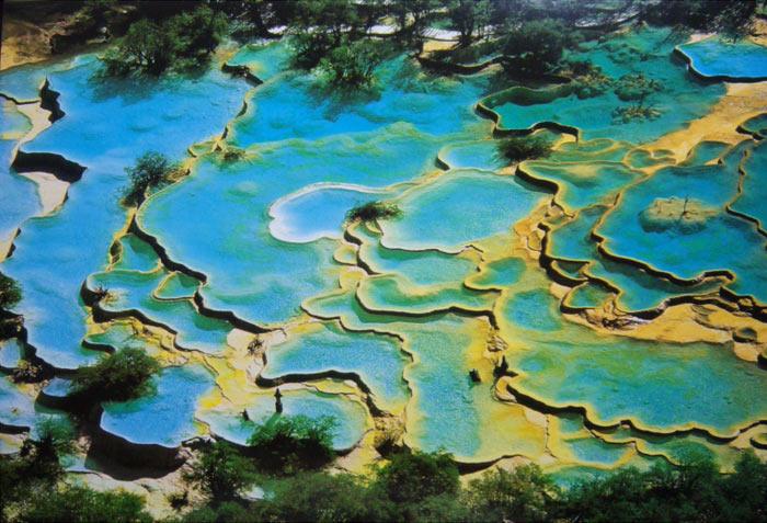 Живописные виды заповедника Хуанлун. фото: elspethwang_Postcards2/flickr.com