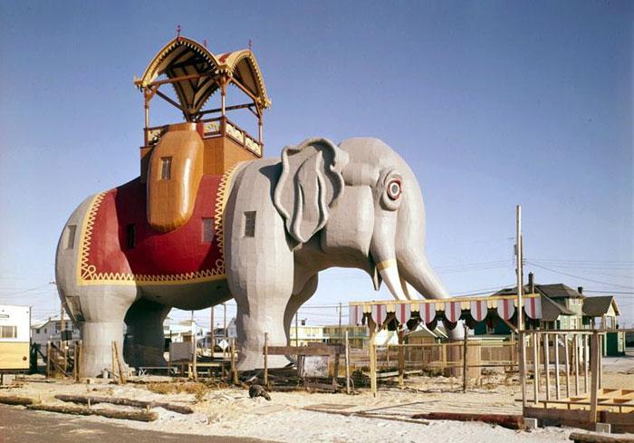 «Слониха Люси» - удивительное деревянное здание, расположенное в городке Маргейт-Сити, на атлантическом побережье США. Фото: Сommons.wikimedia.org